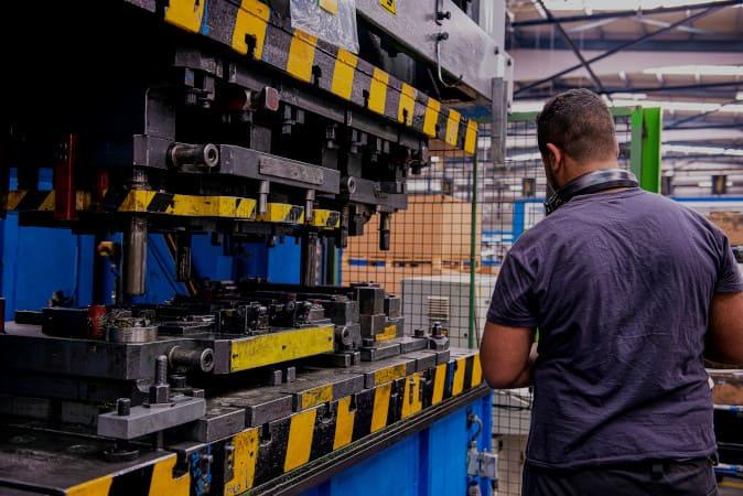 Recuperação de peças industriais com eletrodos de solda